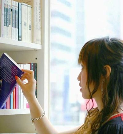 梦见在图书馆里整理书